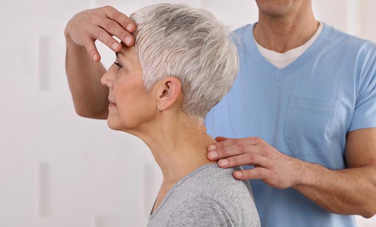 Kan chiropractie een rol spelen bij migraine?