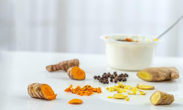 Curcuma, gember en peper bij knieartrose