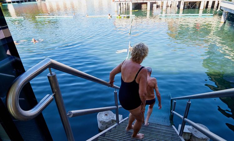 Balneotherapie en aquatische training gunstig voor botgezondheid ouderen